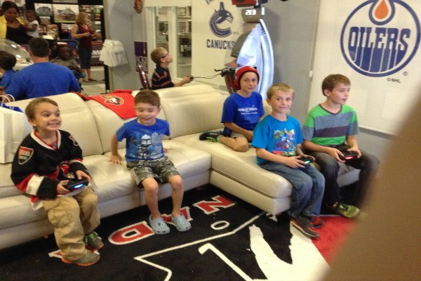 make-a-wish-kids-in-hockey-fan-cave